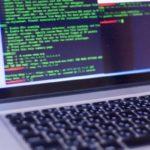 プログラム言語表示のパソコン